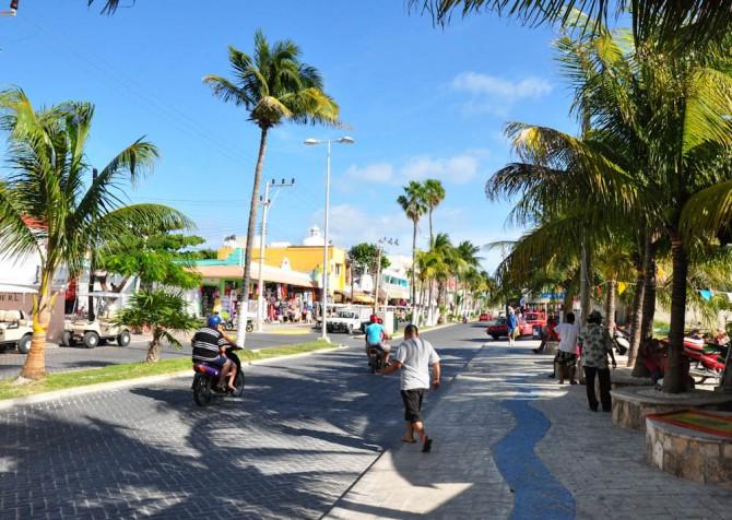 Isla Mujeres main street. Good vibes!