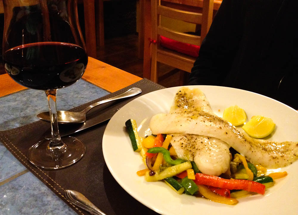 Grilled fish, steamed vegetables and Chilean wine. So simple, so good!