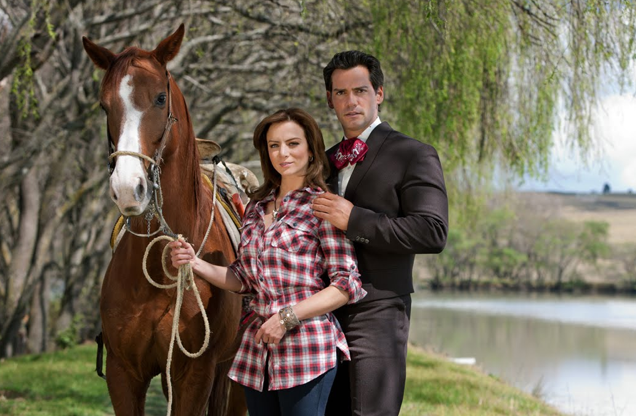 The stars of Mexican telenovela Amor Bravio look as Mexican as I do! Or less...