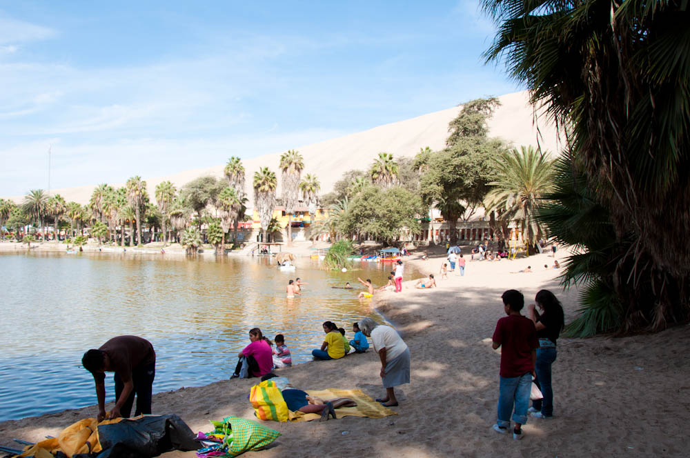Local families come to Huacachina for a dip!