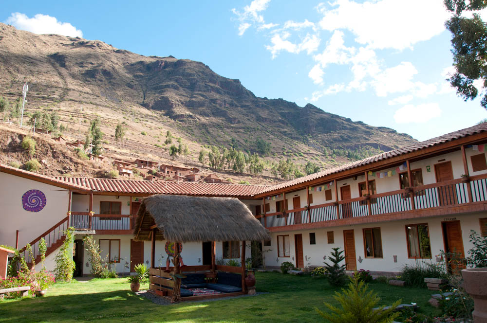 Chaska Wasi hotel with glorious mountains in the background