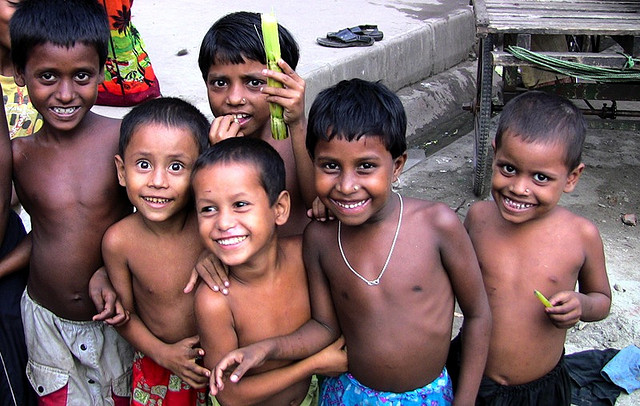 Bangladeshi street kids. Photo source & credits: http://bit.ly/102w6Op