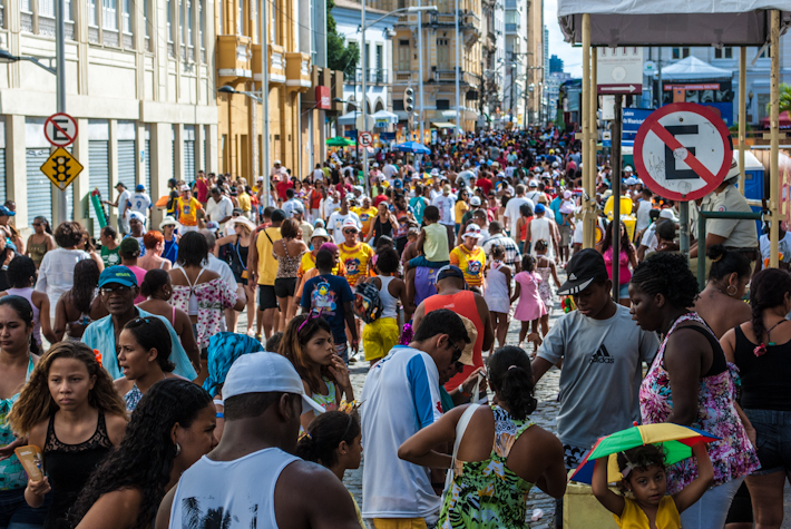 Crowd at Salvador da Bahia's carnival in 2012: this is still noon. INSANE!